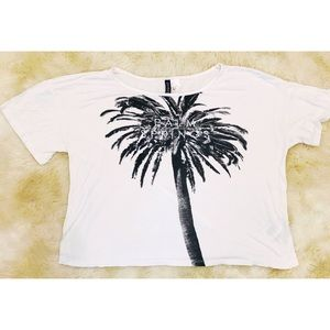 H&M Palm Springs white and black tee shirt